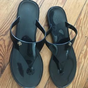 Tory Burch Shoes - Tory Burch Speer flat thong